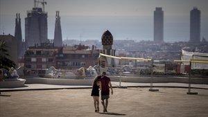 Sin turistas, el Park Güell se ha convertido, de nuevo, en un espacio para los barceloneses.