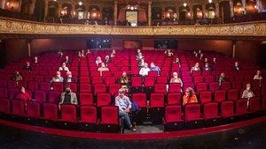 La Opera de Wiesbaden (Alemania) fue el primer teatro del mundo en abrir al publico en mayo.