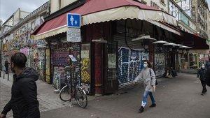 París, en «alerta màxima», es desperta sense els seus bars