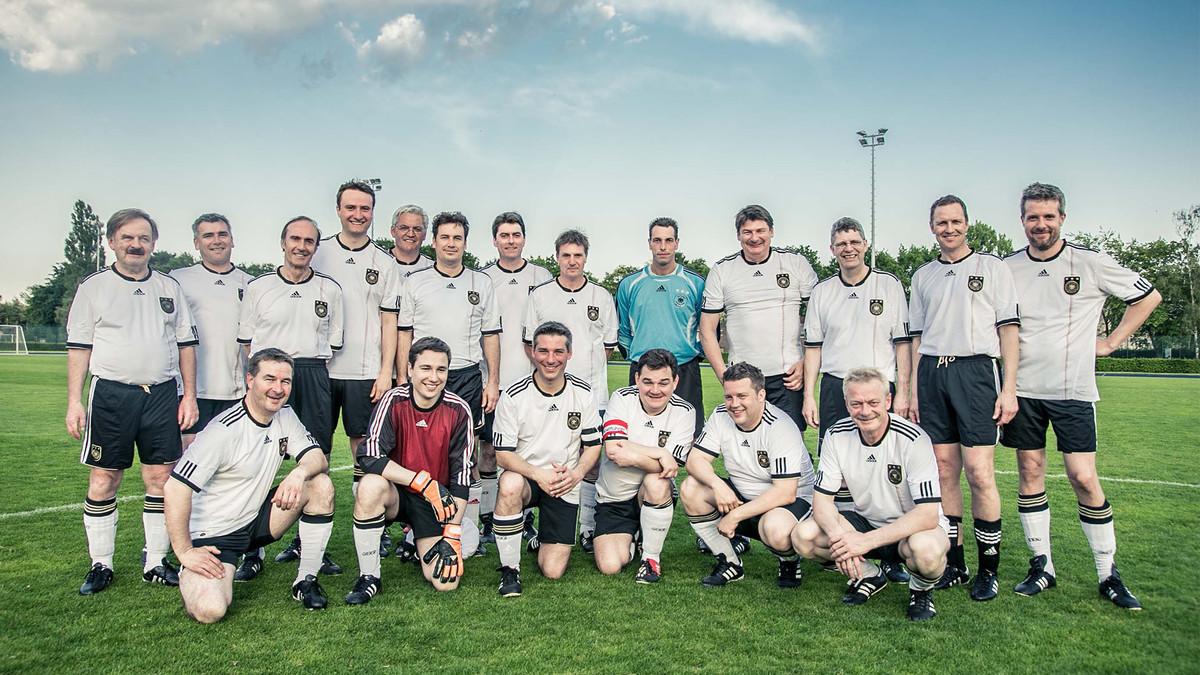 El equipo de fútbol del Bundestag.