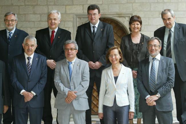 Ferran Mascarell y Ernest Maragall, junto al presidentPasqual Maragall, en la foto del Govern en la Generalitat en el 2006.