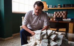 El actor Wagner Moura interpreta a Pablo Escobar en la serie Narcos