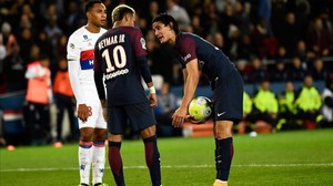 ecarrasco40161926 paris saint germain s uruguayan forward edinson cavani r s170918184615