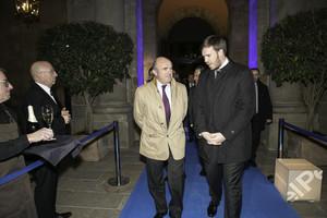 Guindos y Asensio a su llegada a la gala de los premios Empresa del Año 2017.