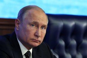 El presidente rusoVladimir Putindurante una reunion con la plana mayor del ministerio de Defensa en el Centro Nacional de Control de la Defensa en Moscu . EFEMichael KlimentyevSputnikKremlin Pool