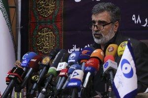 El portavoz de la organización de energía atómica iraní Behrouz Kamalvandi informa de las medidas tomadas que infringen el acuerdo internacional del 2015.