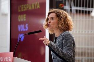 GRAF9478. SANTA COLOMA DE GRAMENET (BARCELONA), 11/04/2019.-La número uno del PSC por Barcelona en las elecciones del 28 de abril, Meritxell Batet, durante el acto de inicio de la campaña electoral que comienza oficialmente esta medianoche, este jueves en Santa Coloma de Gramenet, en Barcelona. EFE/MARTA PÉREZ