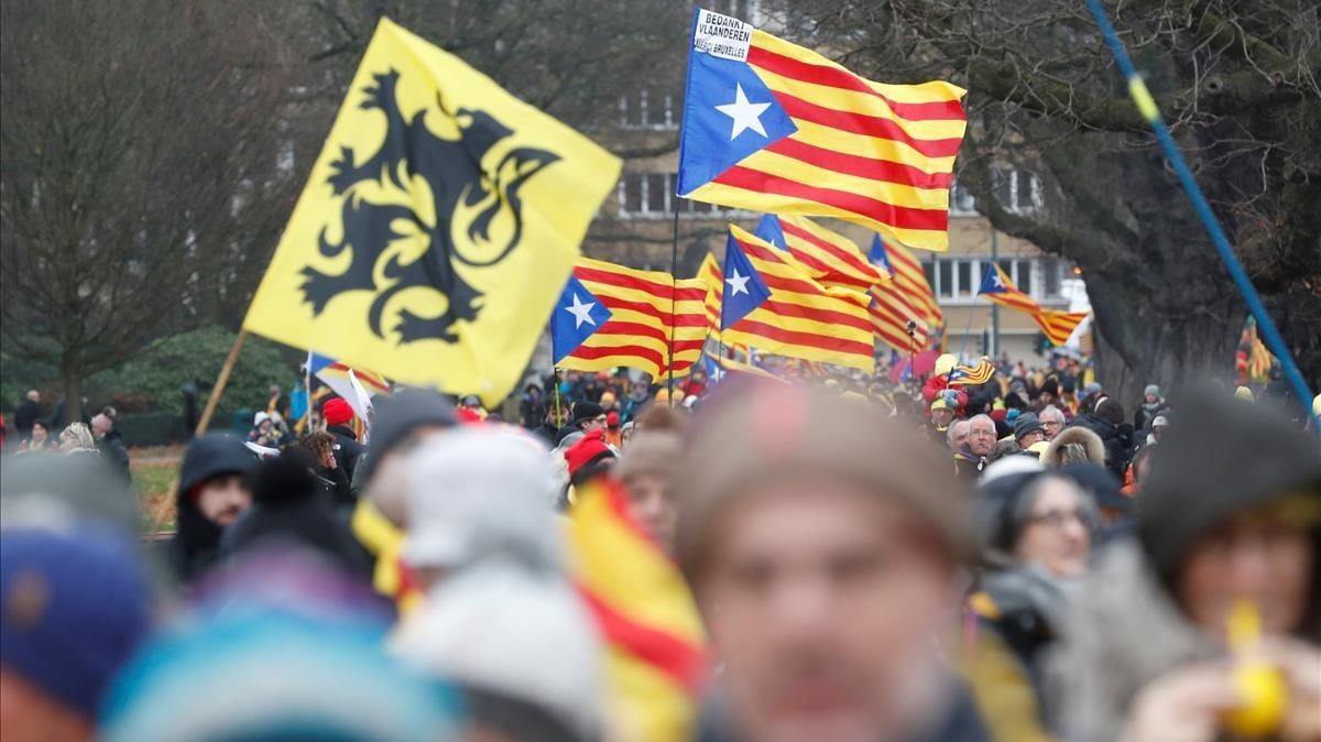 Ambiente durante la manifestación en apoyo al expresident y los exconsellers.