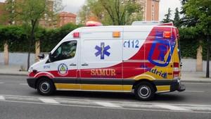 Ambulancia del Samur, por las calles de Madrid.