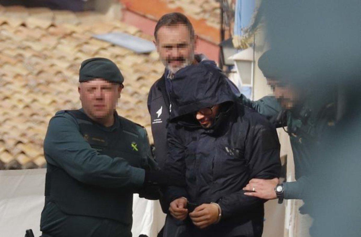 El detenido por la muerte de Marta Calvo, conducido por agentes de la Guardia Civil.