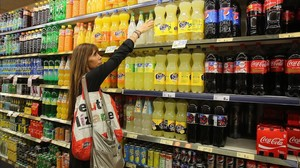 Bebidasazucaradas, en un supermercado.