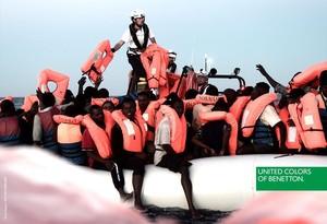 Benetton la lía al utilizar imágenes de los inmigrantes del 'Aquarius' para una campaña