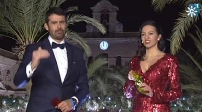 Los presentadores de las campanadas de Canal Sur, el chef Enrique Sánchez y la actriz Ana Ruiz.