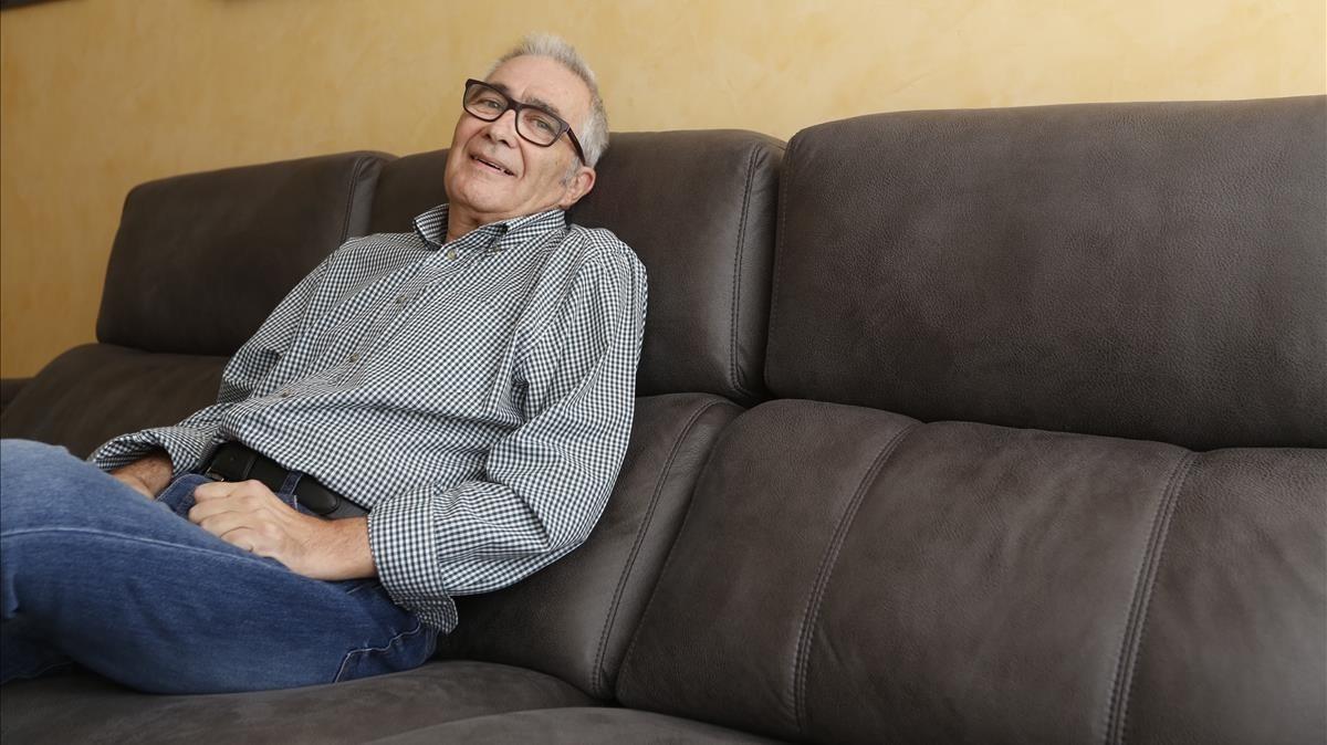 Carlos Prieto, enfermo de ELA, en su hogar.