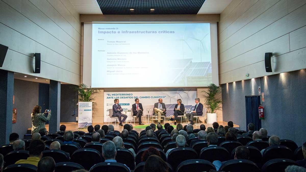 El Club Información acogió el encuentro 'El Mediterráneo ante los desafíos del cambio climático'.