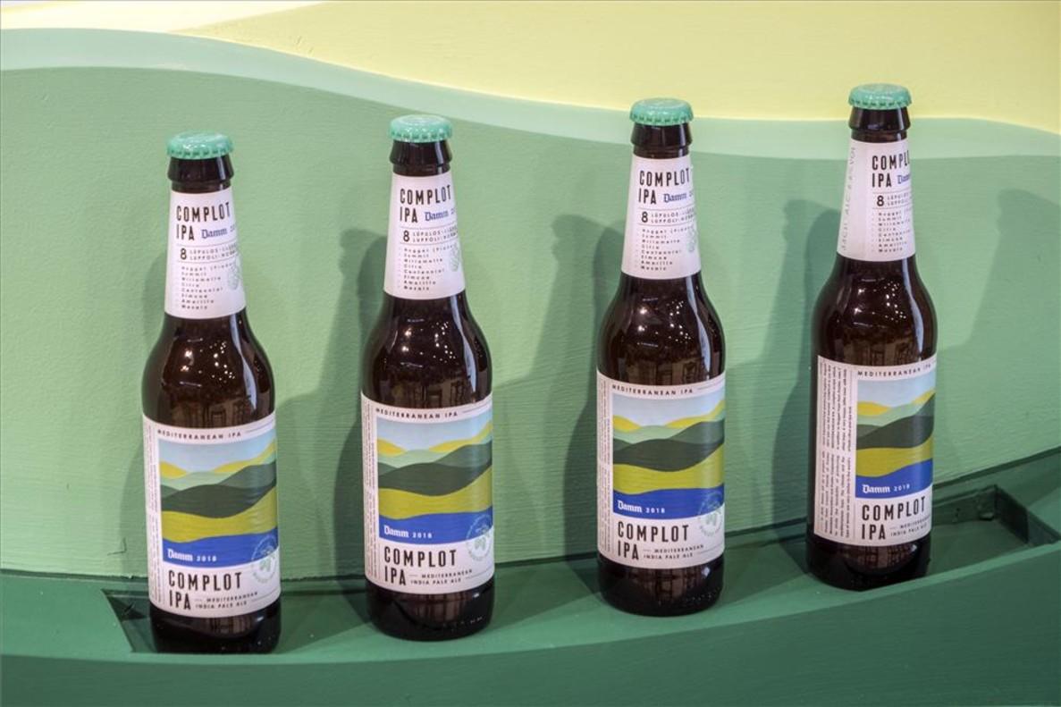 Complot, la cerveza IPA de Damm.