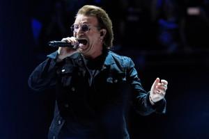 GRAF7916. MADRID, 20/09/2018.- El cantante de la banda irlandesa U2, Bono, durante el primero de sus dos conciertos en el WiZink Center, en Madrid, dentro de su gira Experience + Innocence Tour. EFE/Víctor Lerena