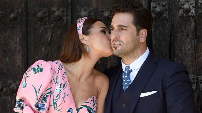 El cantant David Bustamante i l'actriu Paula Echevarría durant la comunió de la seva filla Daniela