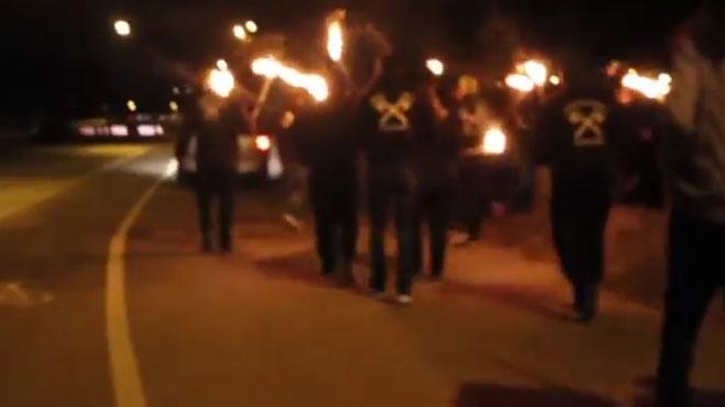 Desfile del partido neonazi NPD y la organización extremista Wodans Erben Germanienen Núremberg.