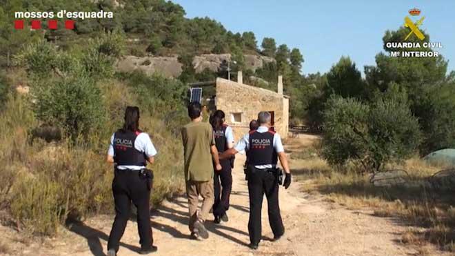 Detenidos dos hombres por ensalzar acciones terroristas.