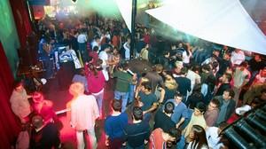 El animado ambiente de Otto Zutz, discoteca de la calle Lincoln, en los años 90.