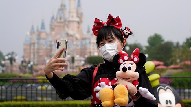 Disneyland Shanghái reabre tras tres meses cerrado por el coronavirus.