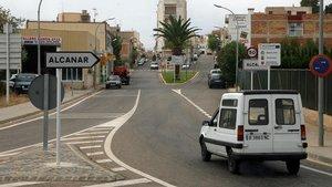 Entrada a la localidad de Alcanara (Montsià, Tarragona).