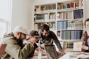Son ya 800 las universidades que ofrecen en todo el mundo los conocidos como MOOCs.