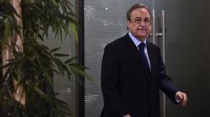 Florentino Pérez, en su comparecencia en el estadio Bernabéu.