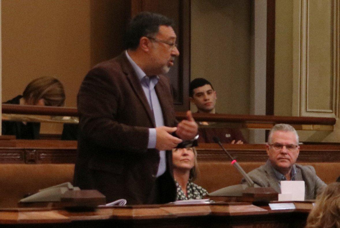 Gervasi Aspa interviene en el pleno de la Diputación de Tarragona el 26 de enero.