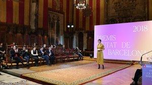 Las sillas vacías de los concejales de Cs y el PP en la entrega de los premios Ciutat de Barcelona.