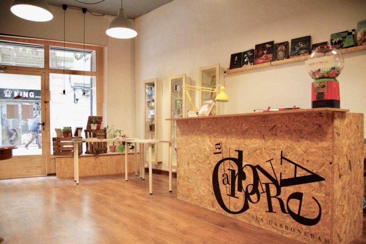 Libreria La Carbonera, en la calle Blai de Barcelona.