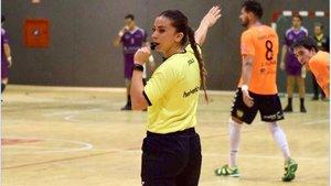 Lorena García, en acción, en un reciente encuentro de balonmano