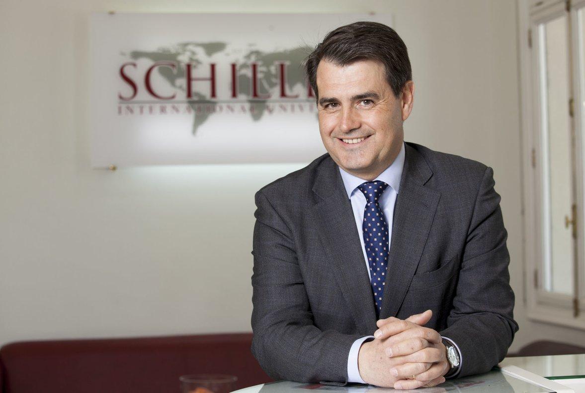 Manuel Alonso es el presidente de Schiller International University, institución americana que ya tiene3 campus en Europa y otro en EE.UU.