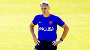 Marco van Basten, en un entrenamiento con la selección holandesa.