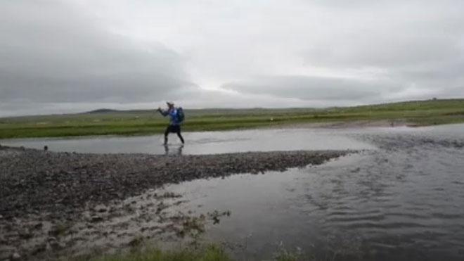 Más de 200 corredores disputan la ultramaratón del desierto del Gobi.