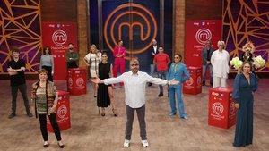 Imagen de 15 de los 16 concursantes de la quinta edición 'Masterchef celebrity' (falta Perico Delgado).
