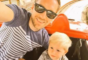 Nick Rose y su hijo Logan.