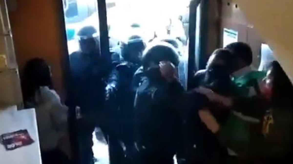 La PAH del Bages denuncia violència dels Mossos en un desnonament a Manresa