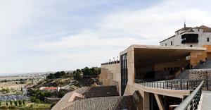 Heridas tres turistas al caer por las escaleras mecánicas del Palacio de Congresos de Toledo