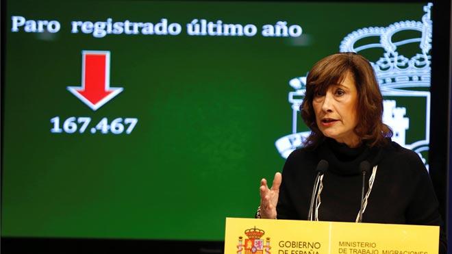 El paro baja en 33.956 personas en marzo, el menor recorte desde 2014. En la foto, la secretaria de Estado de Empleo, Yolanda Valdeolivas, durante la presentación de los datos.