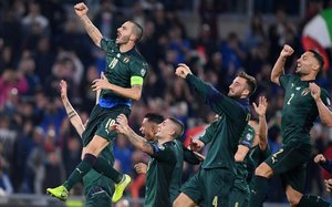 Leonardo Bonucci celebra la clasificación de Italia tras vencer a Grecia (2-0).