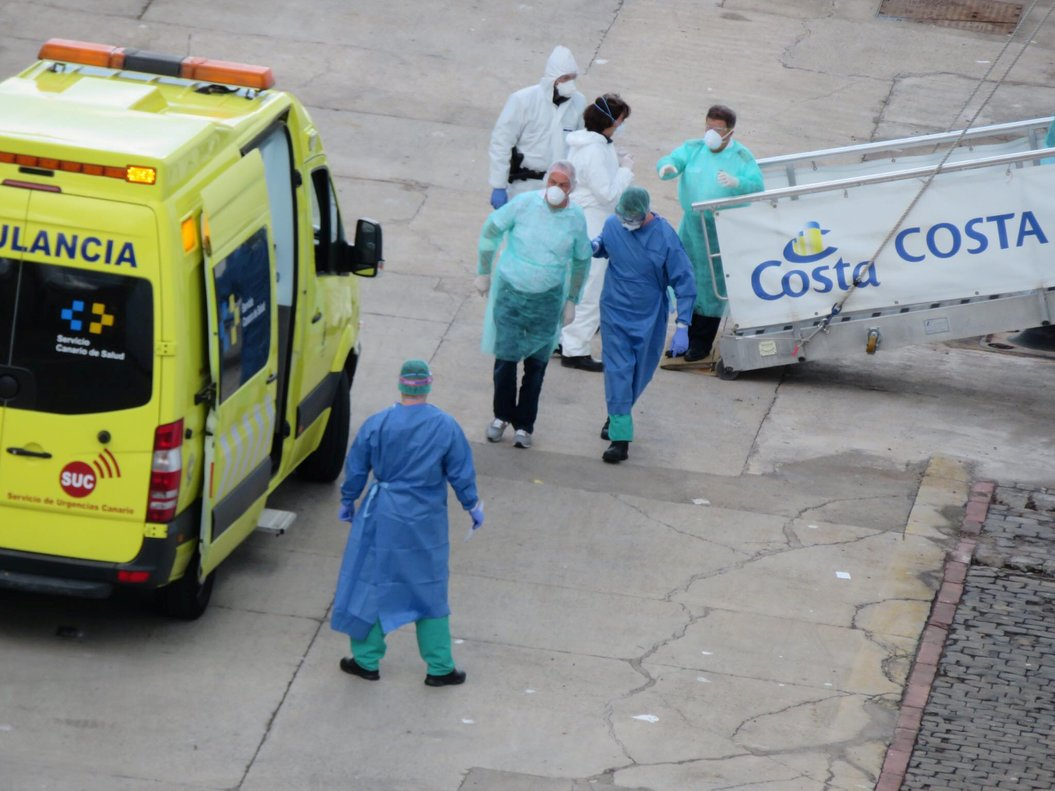 Passangers are being evacuated off Costa Luminosa amid the outbreak of coronavirus disease (COVID-19), in Tenerife, Spain, March 15, 2020 in this picture obtained by Reuters from social media on March 18, 2020. MARTHA TURNER BRADBURY/via REUTERS THIS IMAGE HAS BEEN SUPPLIED BY A THIRD PARTY. MANDATORY CREDIT. NO RESALES. NO ARCHIVES.