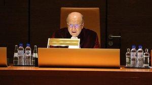 El presidente del TJUE, Koen Lenaerts, lee las conclusiones de la sentencia del caso de Oriol Junqueras.