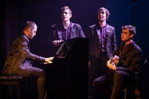 Los cuatro jóvenes protagonistas de este espectáculo.