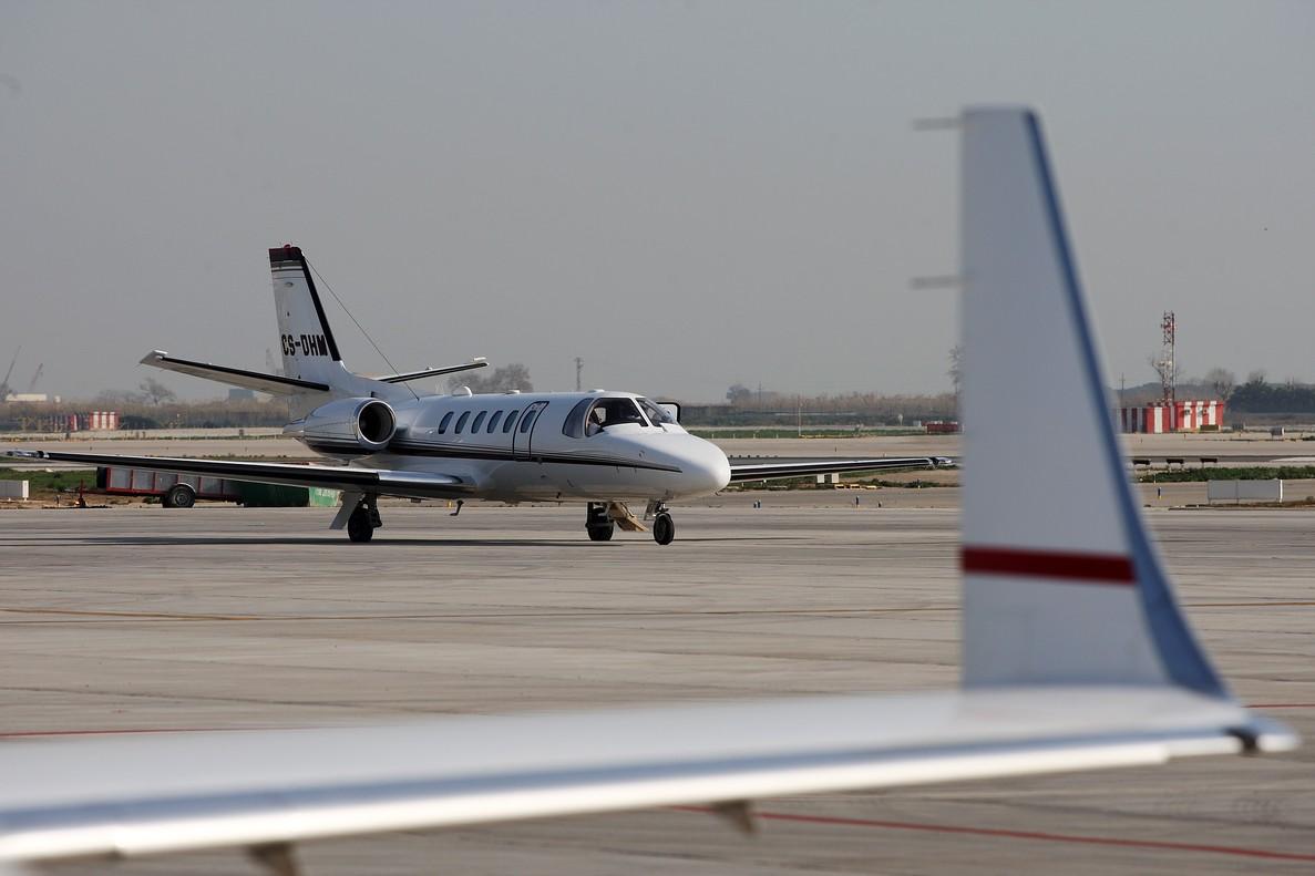 Este suceso ocurre días después de que un hombre robara un avión vacío en el aeropuerto de Seattle.