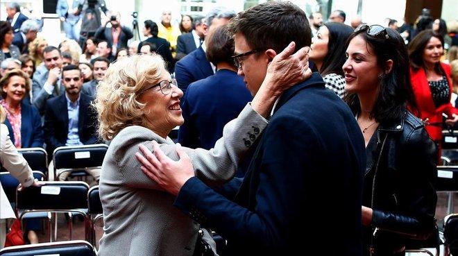 La alcaldesa de Madrid, Manuela Carmena, y el candidato a la presidencia de la Comunidad de Madrid, Íñigo Errejón