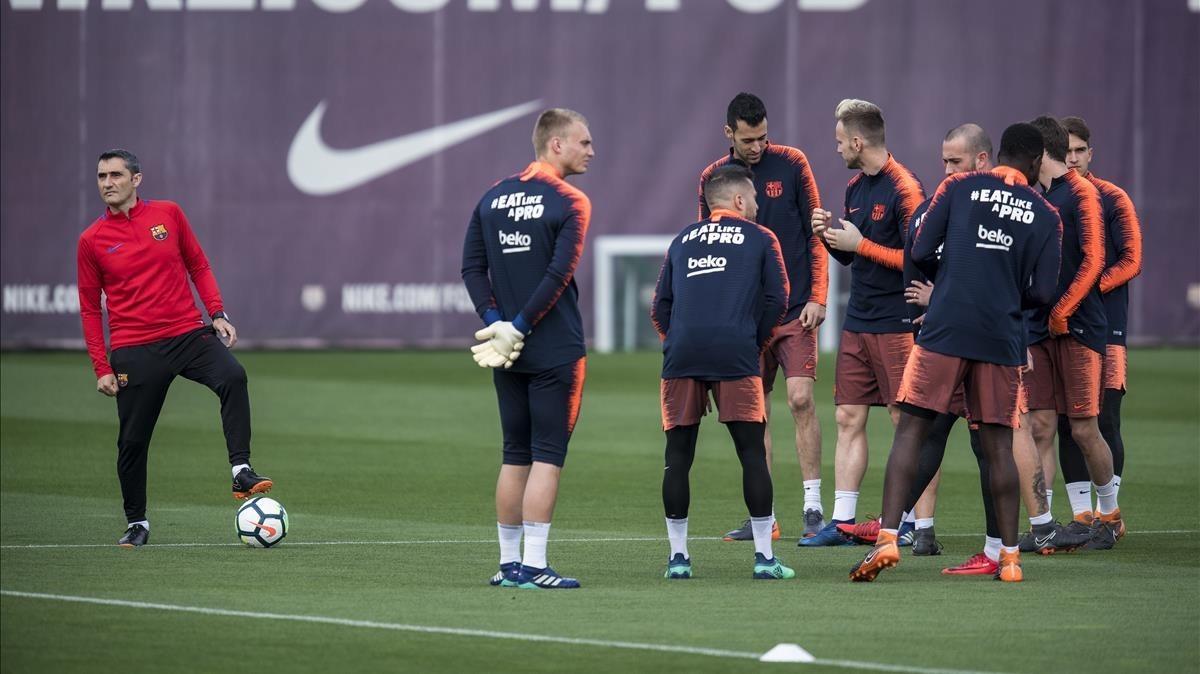 Entrenamiento a las órdenes de Valverde en la Ciutat Esportiva.