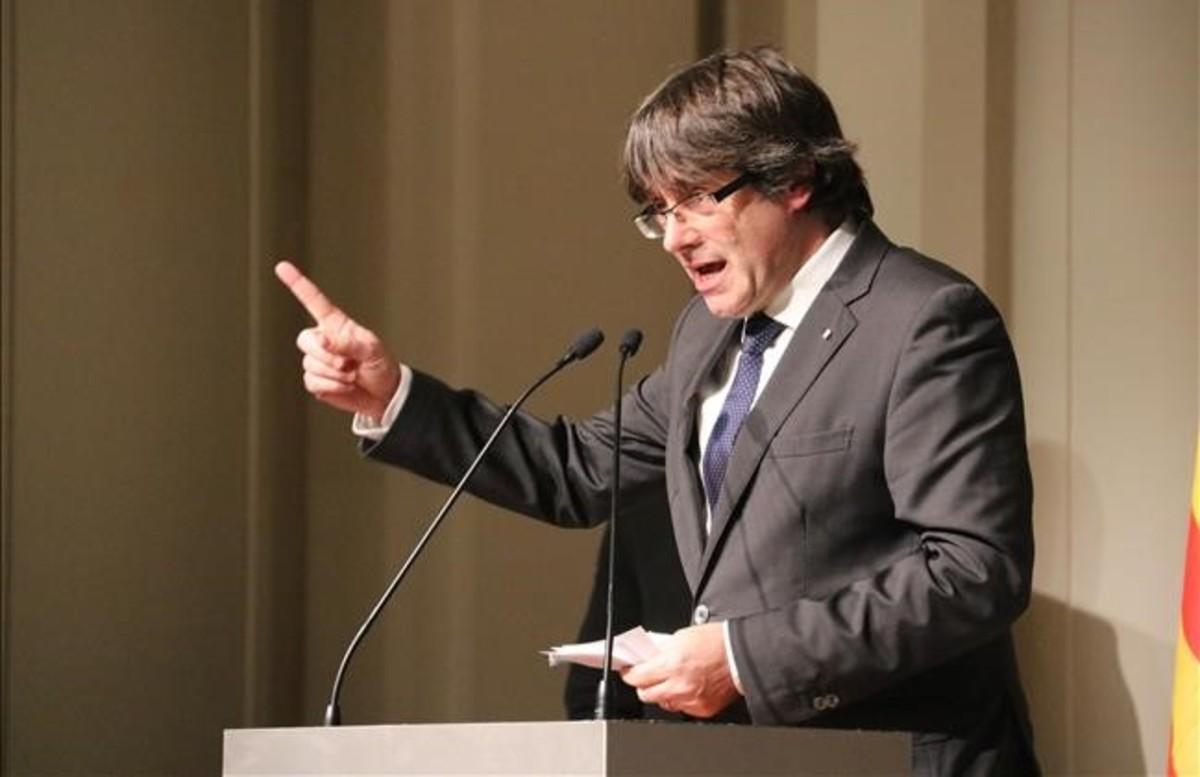 Puigdemont força el PDECat a acceptar la 'llista del president'