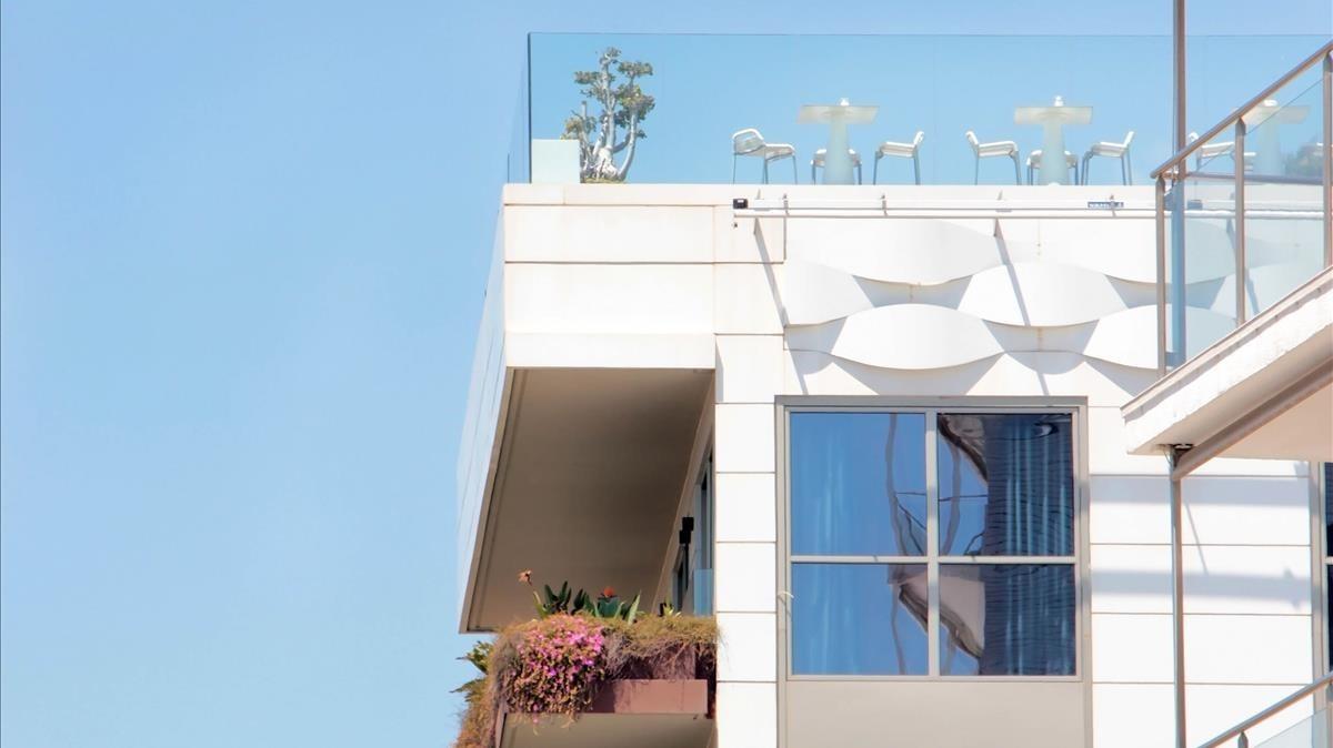 Vista lateral de una parte de la fachada del MiM de Sitges.